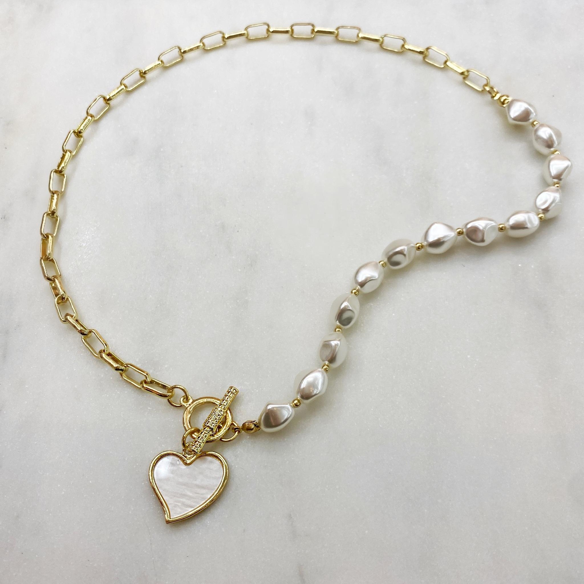 Колье-цепь с жемчужинами и подвеской-сердечком (золотистый)