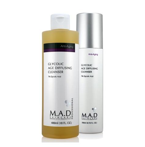 Очищающий гель с 7% гликолевой кислотой предотвращающий старение кожи M.A.D Skincare Anti-Aging Glycolic Age Diffusing Cleanser  200 мл
