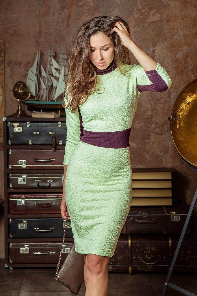 Платья Платье F134-01 футляр салатовый WQOP3c-Kp_4.jpg