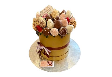 Клубника в Шоколаде в шляпной коробке, 35 ягод