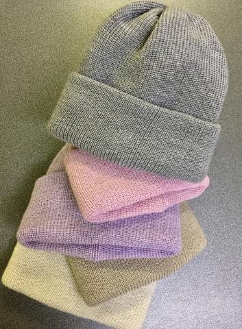 Зимние объемные шапки бини с отворотом