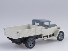 GAZ-MM 1946 white-blue 1:43 Nash Avtoprom