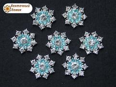 Стразовая снежинка с голубым кругом на серебре №2