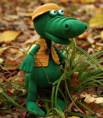 Крокодил Гена вязанный - игрушка ручной работы