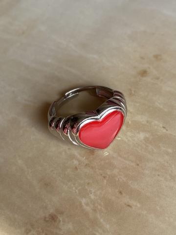 Кольцо Лавли красное, серебряный цвет