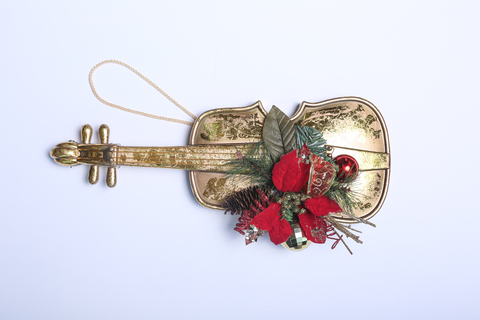 Рождественский аксессуар. Скрипка с цветком Пуансетии.