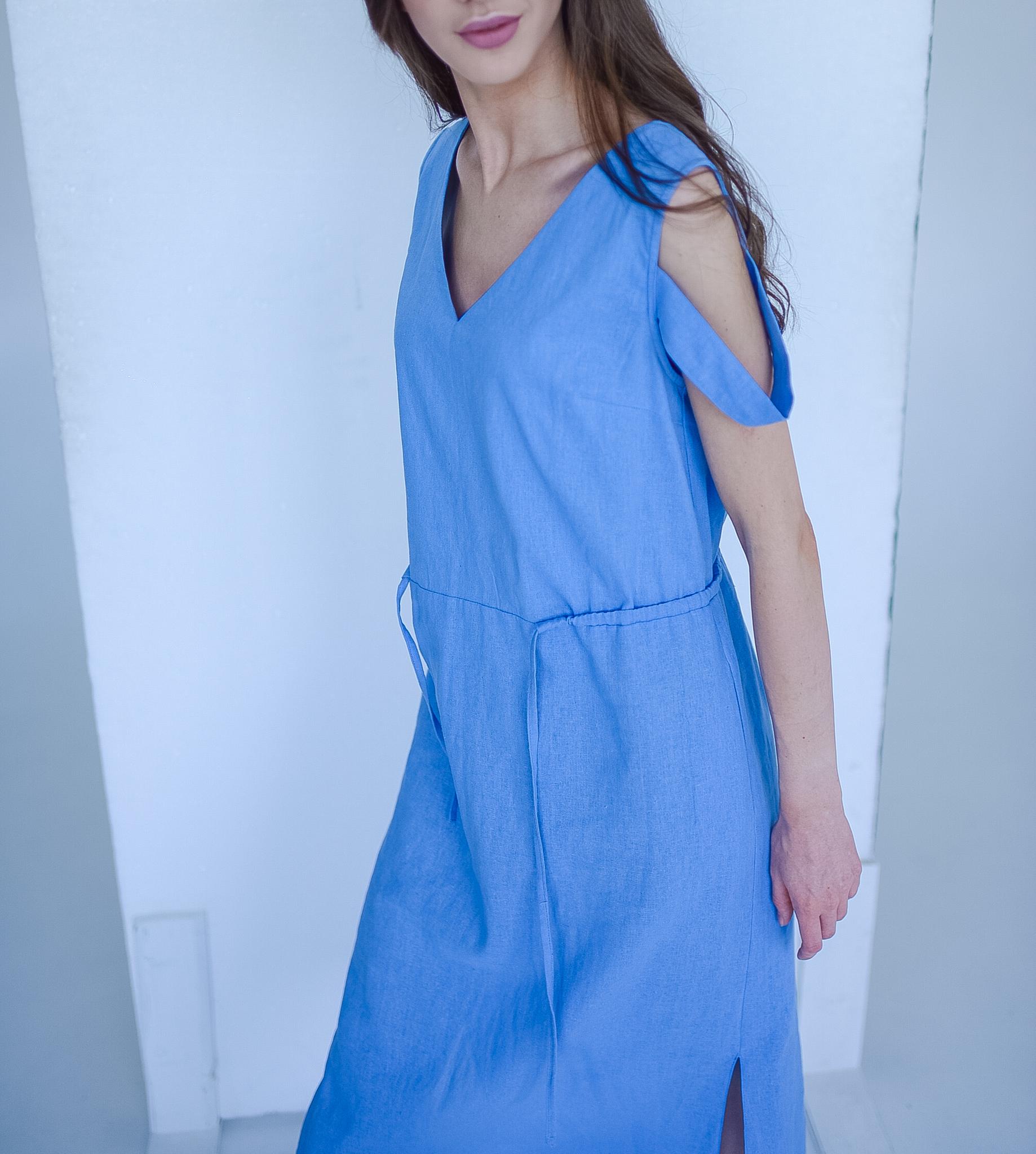 Платье изо льна с кулисой на талии в стиле спорт шик