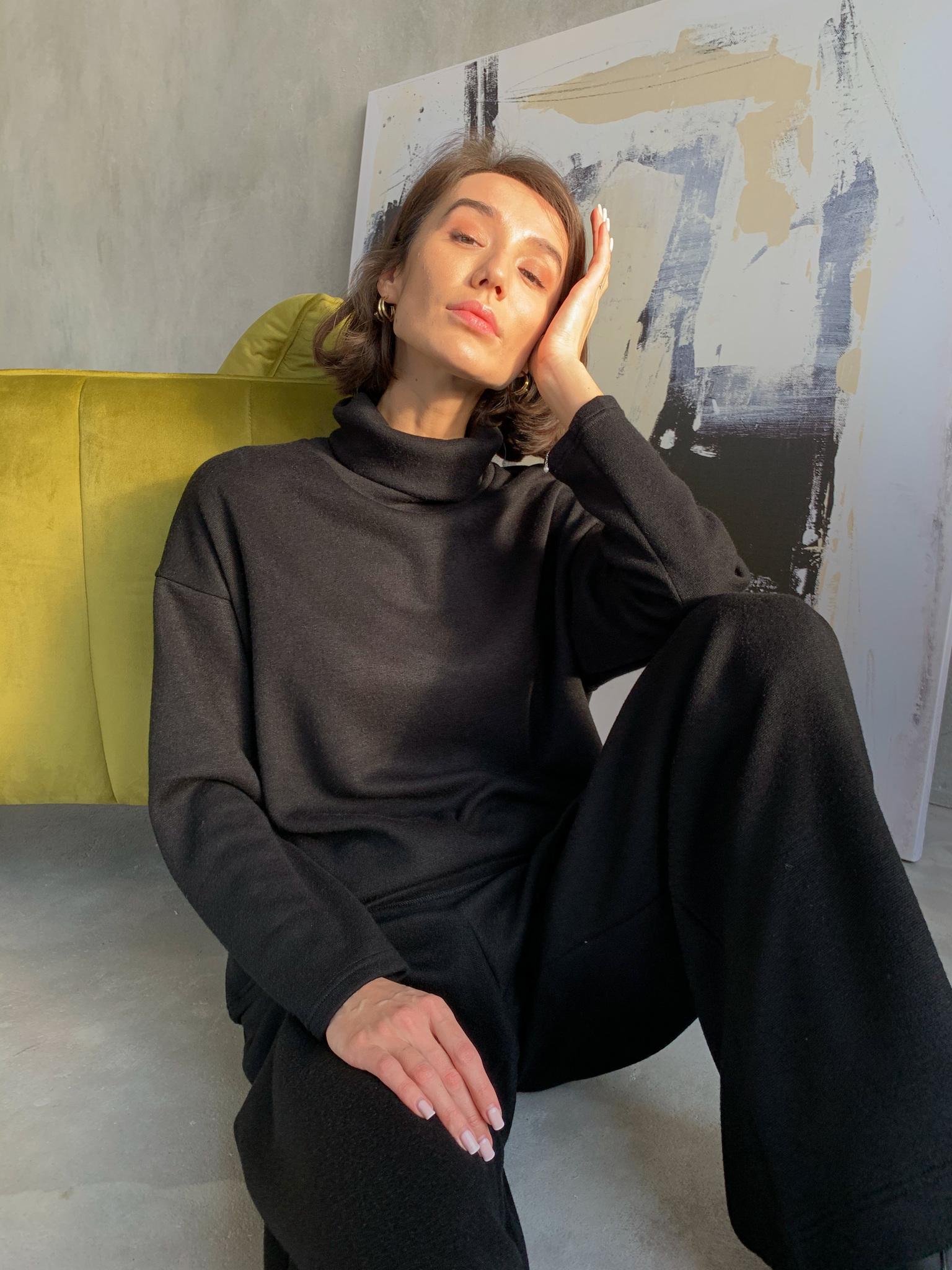 Теплый костюм с широкими брюками (черный)