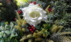 Роза искусственная со стебельком 23 см, евро бутон 7-8 см, 1 шт.