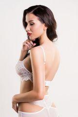 Красивый кружевной бралетт Darina белый