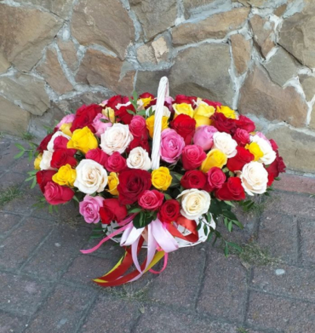 Корзина 55 роза Кения микс #16235