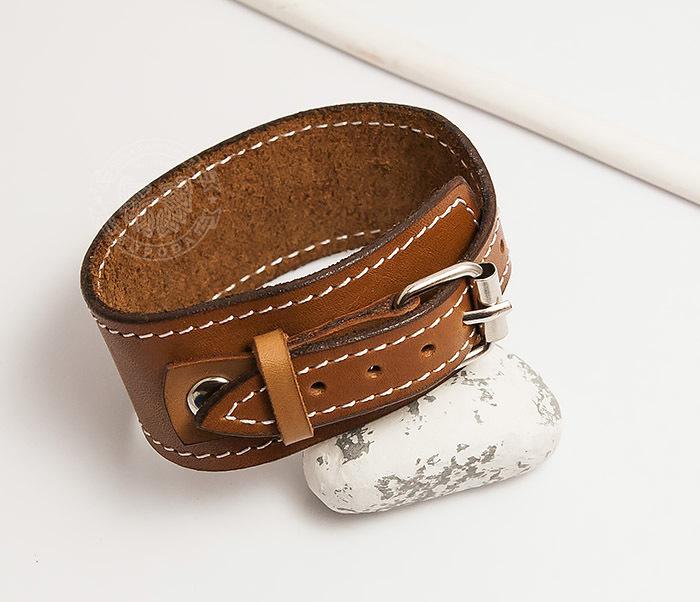 BL402-2 Кожаный браслет ручной работы с металлической застежкой. «Boroda Design»