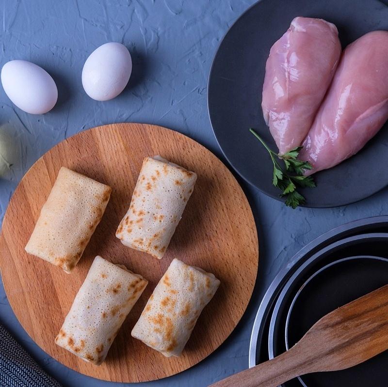 Фотография Блины с курицей и грибами / 400 гр купить в магазине Афлора