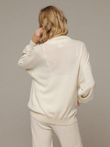 Женский белый джемпер на замке с высоким горлом из 100% кашемира - фото 6
