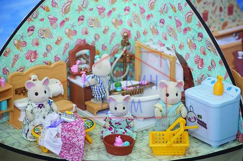 Комплект игрушек для ванной комнаты с семейкой зверьков Village story