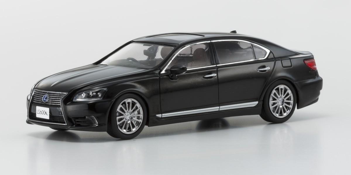Коллекционная модель Lexus LS600hL black