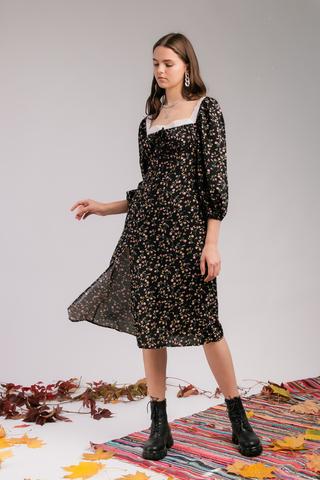 Платье из вискозы с отделкой кружевом