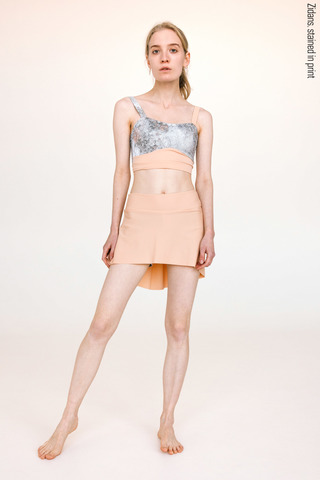 The Skirt + Shorts Stretch, stained in print | beige-delicate_dirt