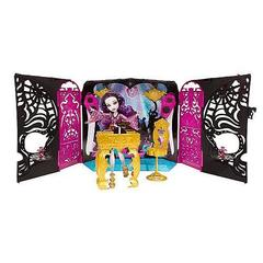 Monster High 13 Wishes Room Party & Spectra Vondergeist Doll