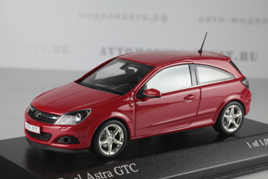 Коллекционная модель Opel Astra GTC 2005