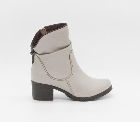 Бежевые кожаные полусапожки на устойчивом каблуке