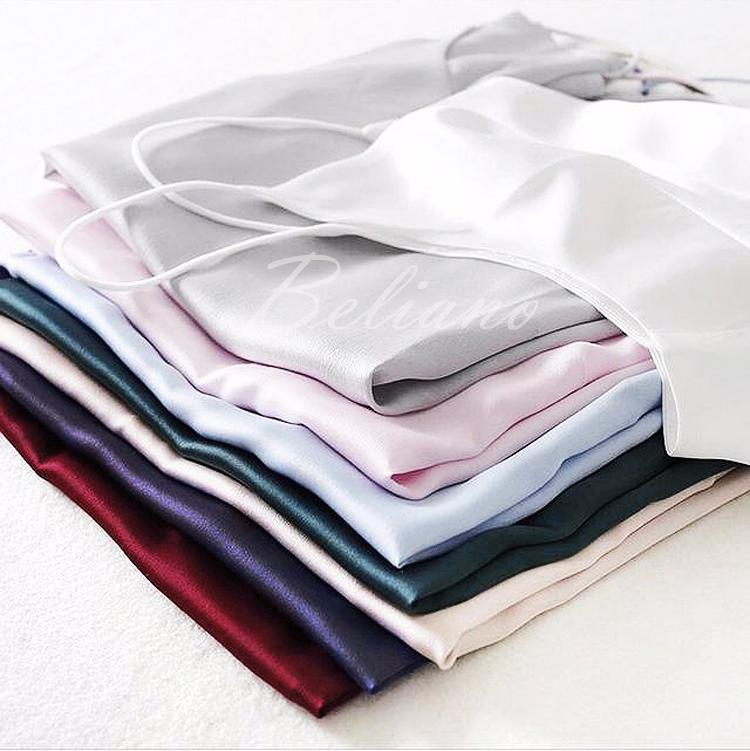 Стильный модный шелковый топ майка на тонких бретелях бордового, лилового, бежевого, изумрудного, голубого, розового, серебристого и  цвета слоновой кости. Натуральный шелк