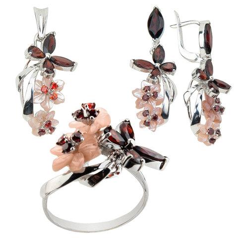 Комплект украшений с цветами из перламутра и гранатом № 156