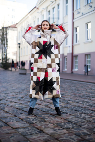 Пальто в стиле ПЭЧВОРК «ZORKI»