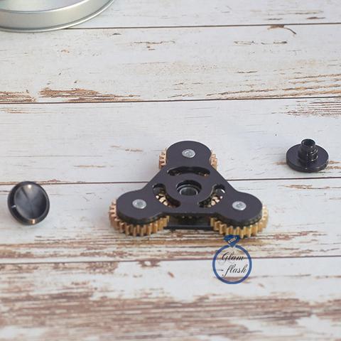 Спиннер металлический трехлучевой с шестеренками на концах черного цвета 17019M_black