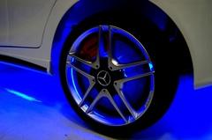 Детский электромобиль Мерседес неоновая подсветка колес и дисков