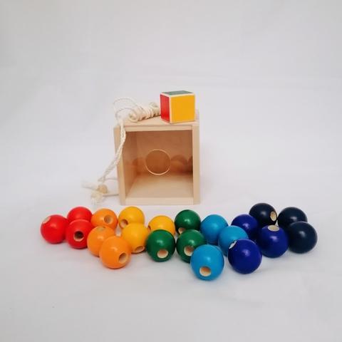 Игра развивающая Радужное ожерелье в коробочке-сортере