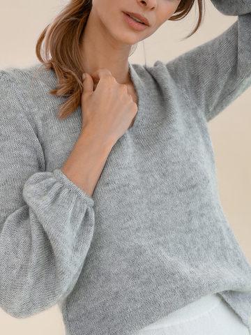 Женский джемпер светло-серого цвета из мохера и шерсти - фото 3
