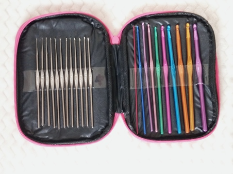 Крючки в пенале (0,6мм - 1,9мм; 2мм - 6,5 мм)