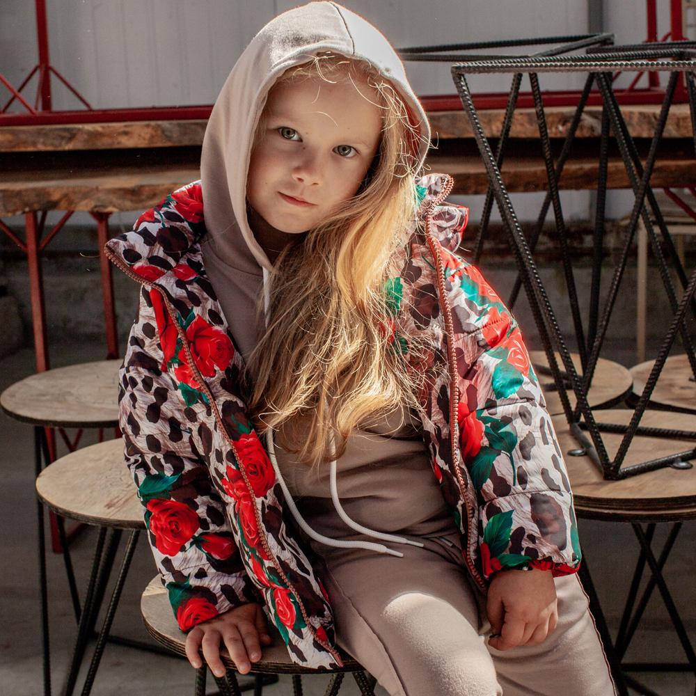 Дитяча демісезонна куртка з принтом «Лео, троянди» на дівчинку