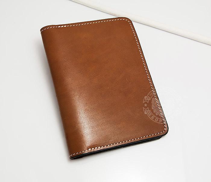 WB117-2 Мужской кошелек и обложка для паспорта с прозрачным окошком. «Boroda Design» фото 02