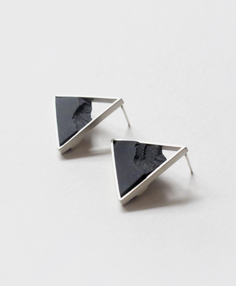 серьги-horizon-triangle-black-silver