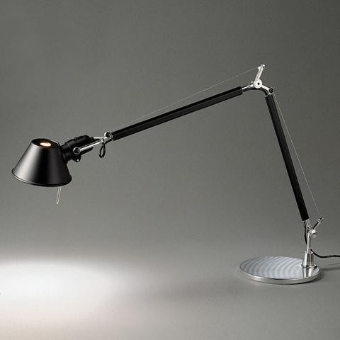Настольная лампа Artemide Tolomeo