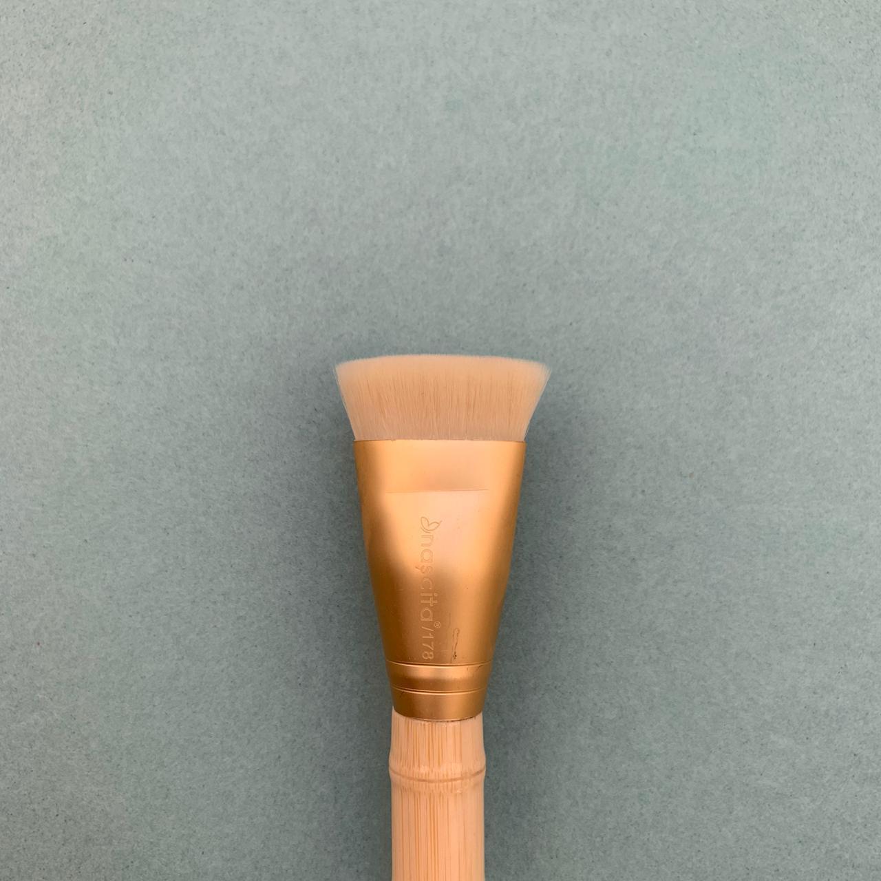 Кисть плоская для коррекции лица Nascita 178