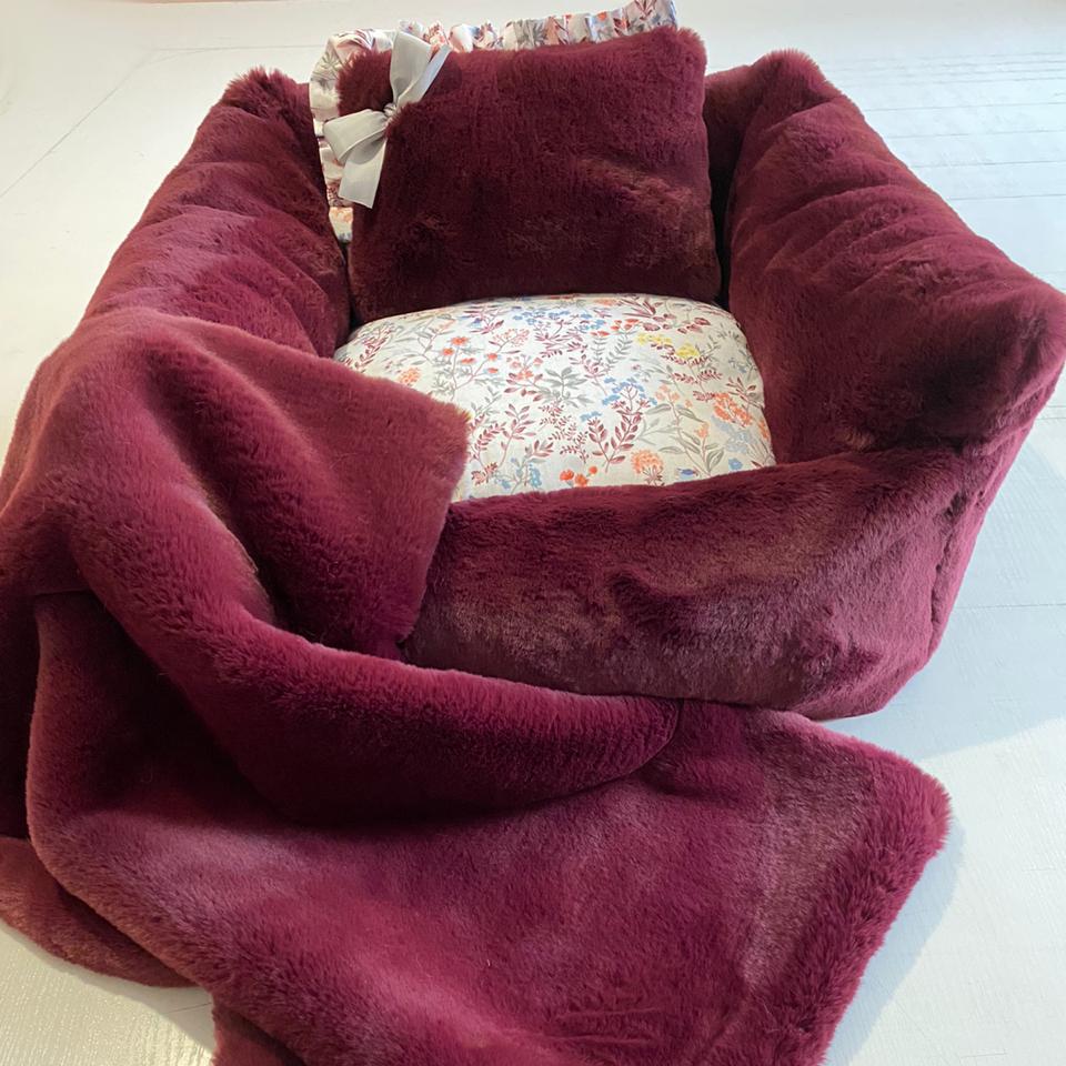 1961/1 - Комплект лежанка с одеялом для собаки