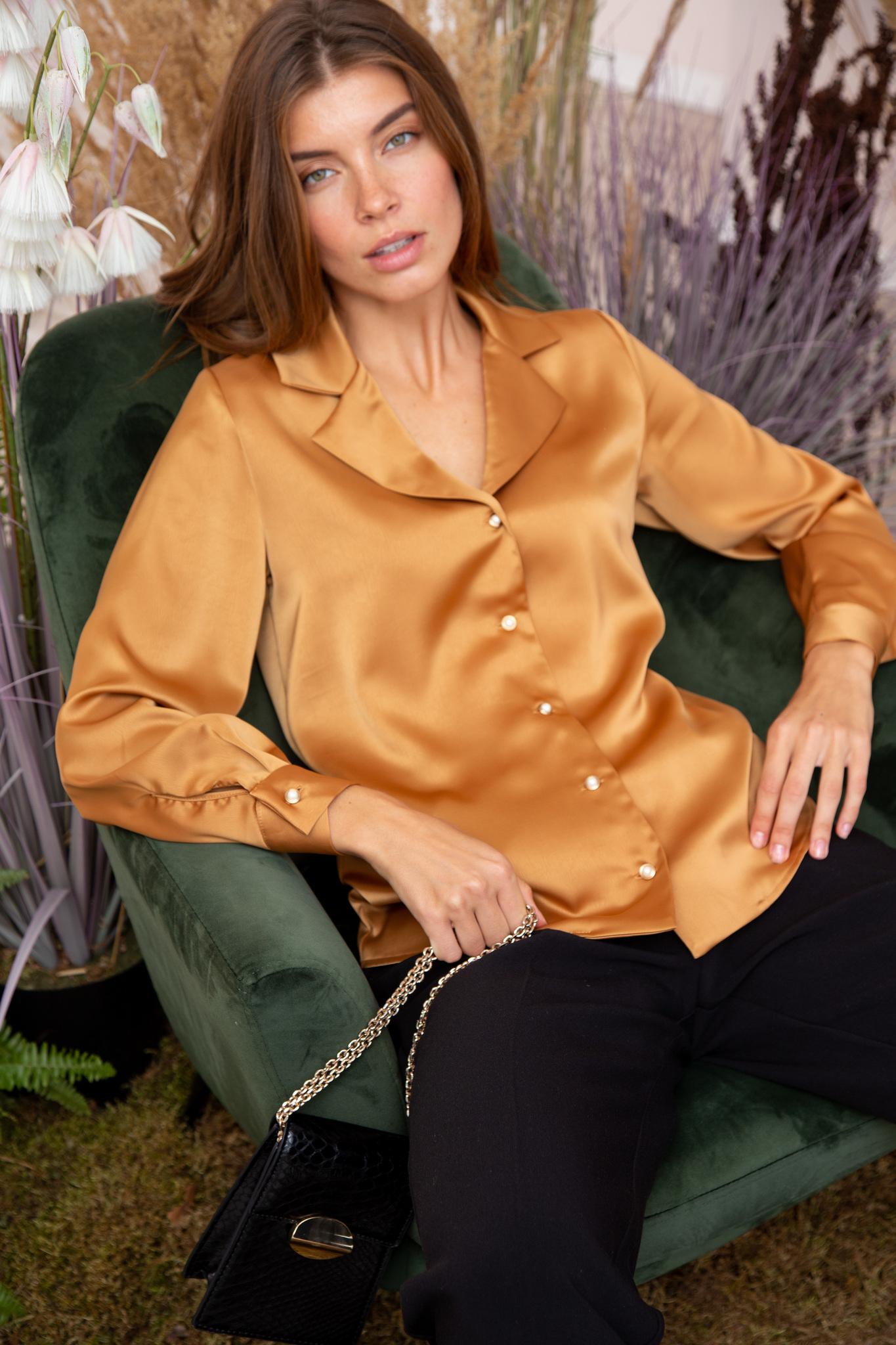 Рубашка с английским воротником и длинным рукавом (кэмэл)