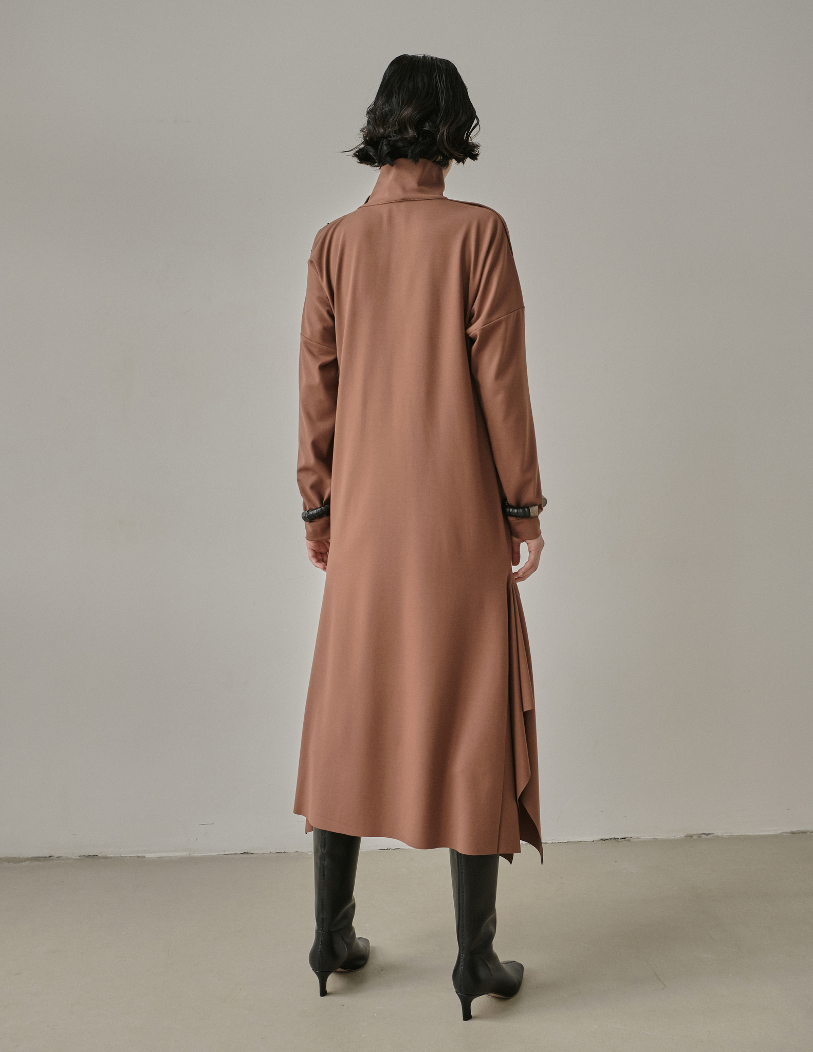Платье трикотажное из джерси