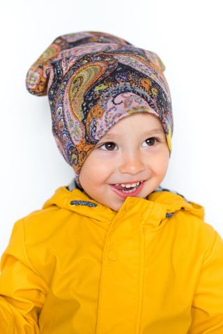 детская шапка из турецкой шерсти пейсли-огурцы розово-охристая
