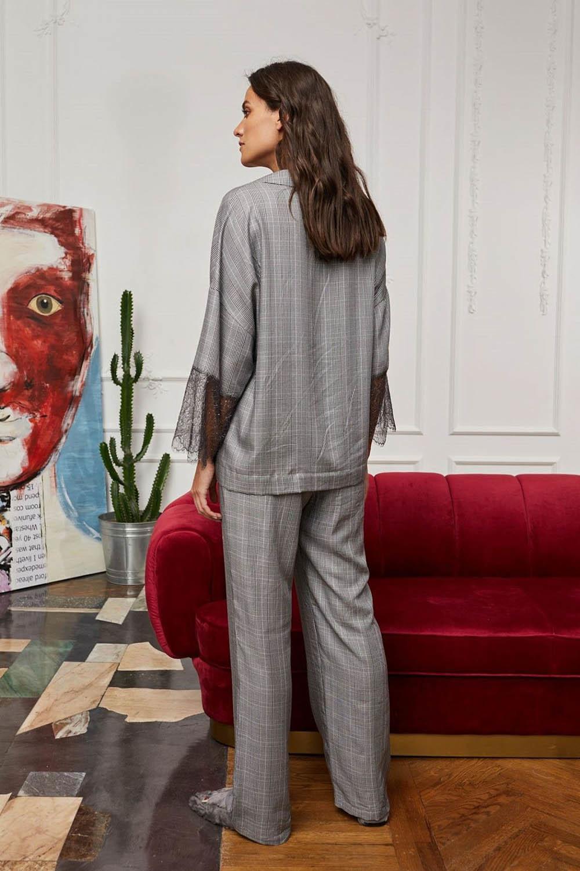 Уютные домашние брюки Grigio в черно-белую клетку