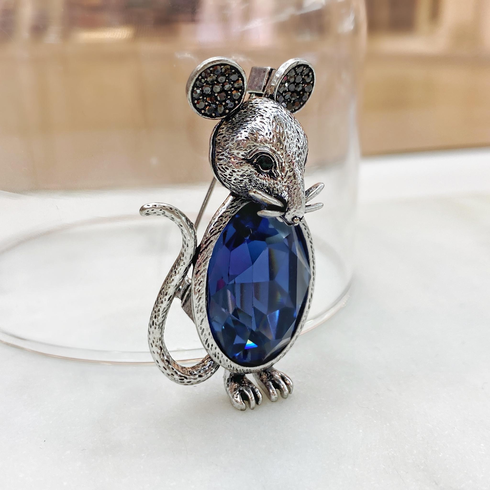 Брошь Мышь с большим кристаллом (синий)