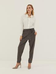 Стильные серые брюки 2122-0326