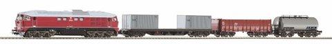 PIKO 97935 Стартовый набор с тепловозом BR 130 CSD и 3-мя грузовыми вагонами, рельсы на подложке