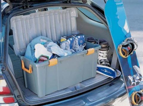 Экспедиционный ящик IRIS HD Box 800D, в багажнике автомобиля 2.