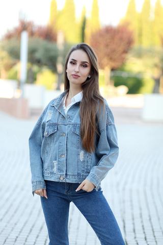 Джинсовая куртка со стразами на спине nadya
