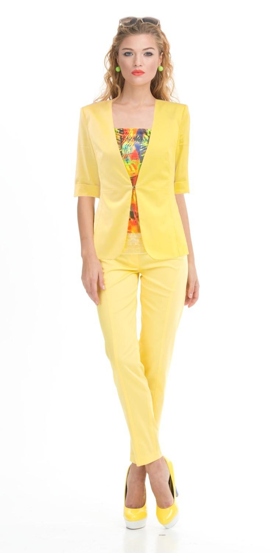 Жакет Д463-557 - Если хотите всегда чувствовать дыхание солнечного лета, вам поможет оригинальный приталенный жакет ярко-желтого цвета с короткими рукавами. Его безупречный силуэт и изящный вырез на шее подчеркнут женственные линии свой обладательницы, придавая ей стройность и таинственность. Жакет без воротника и пуговиц, что делает его идеальным дополнением к цветным и однотонным топам, платьям, туникам.