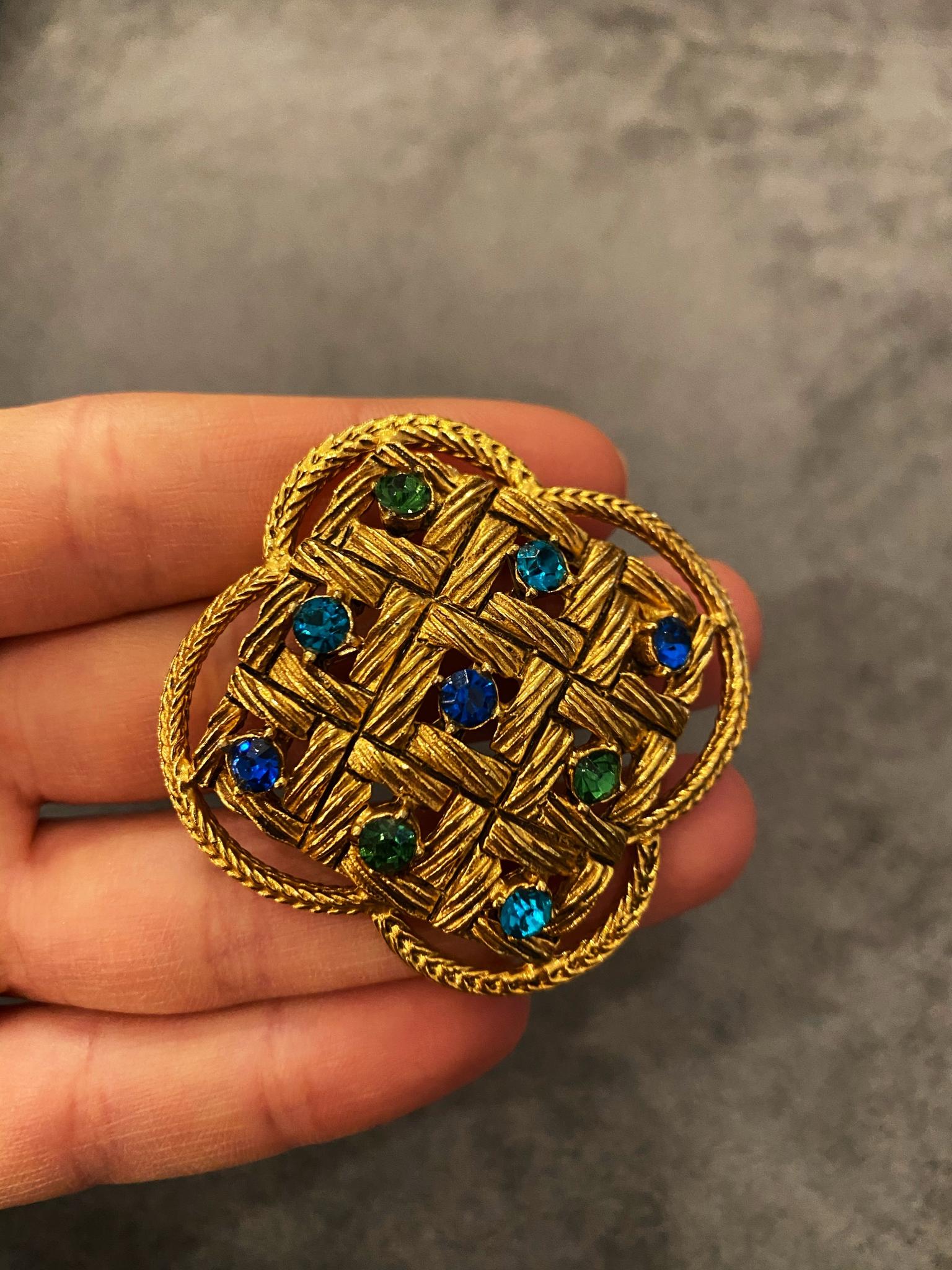 Винтажная брошь Florenza с кристаллами цвета сапфира и изумруда
